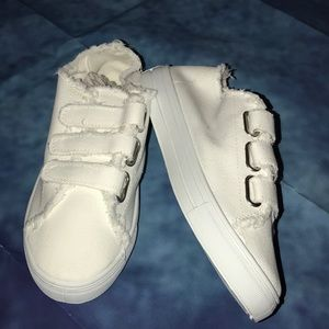 Qupid Shoes - NWOT Qupid sneakers 👟